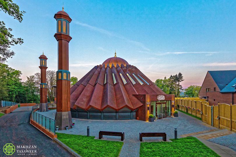 10 Muharram dan Menyatukan Umat Islam